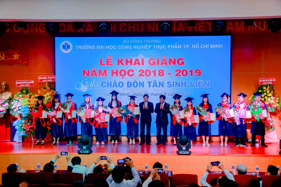 Ho Chi Minh City University of Food Industry hold an opening ceremony of the new academic year 2018 - 2019